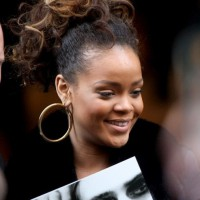Rihanna Ponytail Hairstyles: High Curly Bouncy Ponytail
