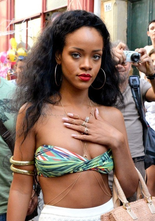 Fabulous Rihanna Hairstyles 2012 Long Black Curly Hairstyle For Summer Hairstyles For Women Draintrainus
