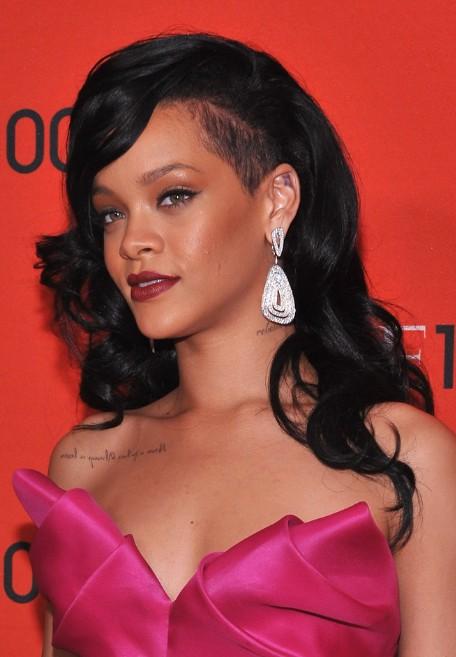Strange Rihanna Long Hairstyles Black Wavy Hairstyle With Bangs Short Hairstyles For Black Women Fulllsitofus