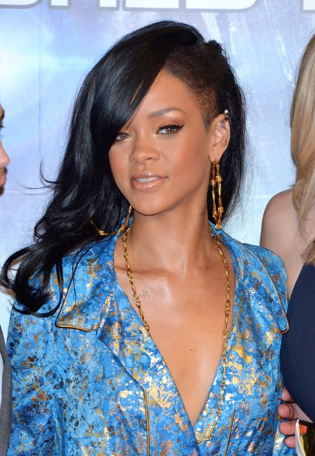 Rihanna Long Hairstyles: Layered Black Wavy Hair Style with Side ...