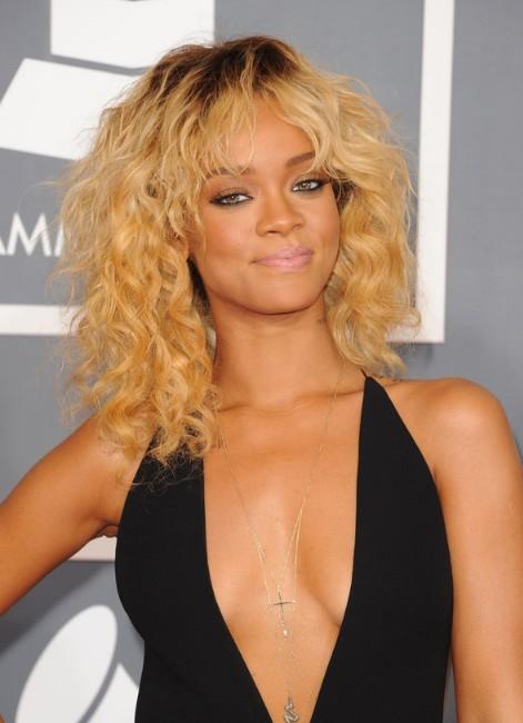 Rihanna Hairstyles Gallery Rihanna Medium Curly Ombre
