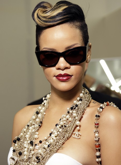 Rihanna Modern Pompadour Updo Hairstyle Hairstyles Weekly