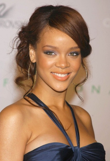 Rihanna updos chic wavy updos for ladies hairstyles weekly rihanna updos chic wavy updos for ladies pmusecretfo Images