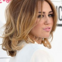 Side View of Miley Cyrus Medium Ombre Hair voluminous bob