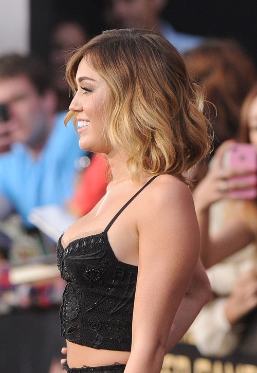 Side View of Miley Cyrus Short Hairstyles: Layered Ombre Hair/Getty ...
