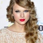 Taylor Swift Curly Hairstyles