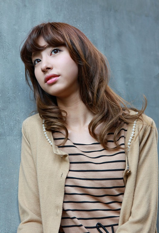 Brilliant Asian Girls Shoulder Length Wavy Hairstyle With Full Bangs Short Hairstyles For Black Women Fulllsitofus