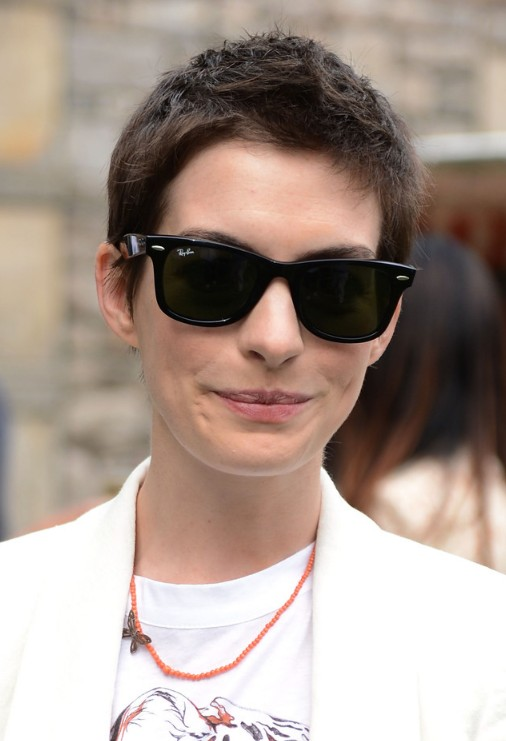 Anne Hathaway Super Short Haircut: Boycut for Women - Hairstyles Weekly