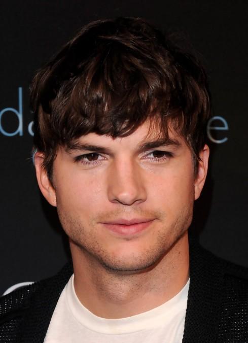 Beautiful Ashton Kutcher Layered Messy Hairstyle For Men