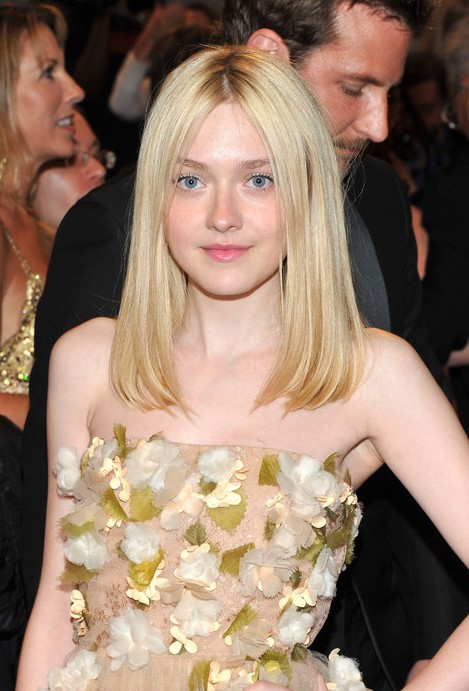 Dakota Fanning Medium Blonde Hairstyles
