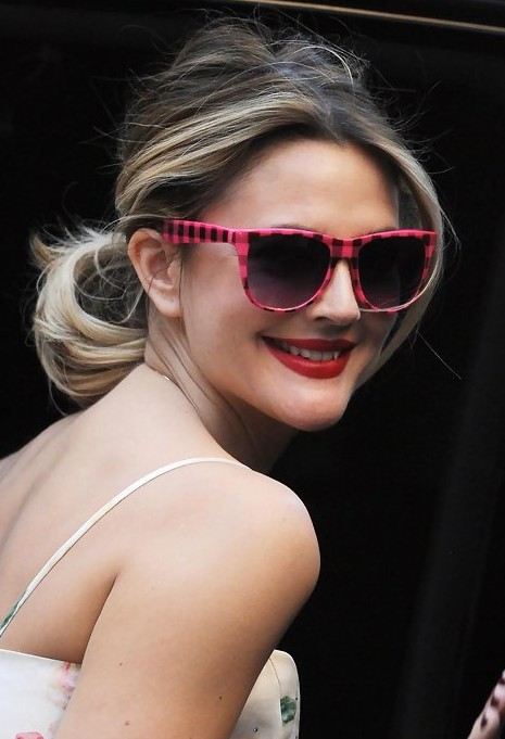 Drew Barrymore Loose Ponytail Hairstyle