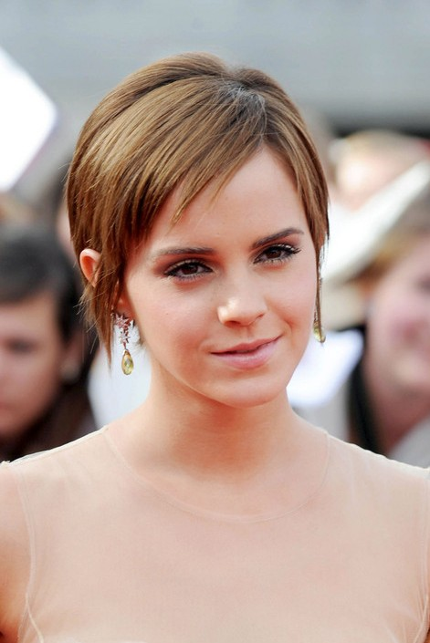 Amazing Emma Watson Pixie Cut Cute Short Haircut With Bangs Hairstyles Short Hairstyles For Black Women Fulllsitofus