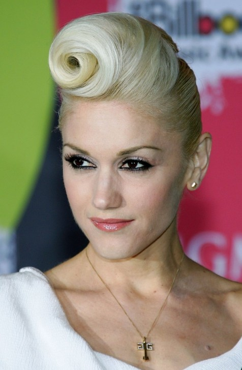 Gwen Stefani Retro Updo