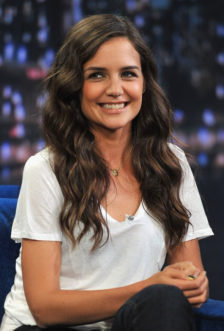 Katie Holmes Sweet Side Parted Long Wavy Hairstyle