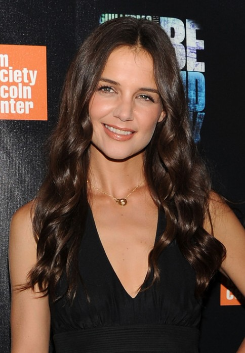 Katie Holmes Loose Curly Hairstyle
