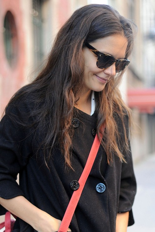 Katie Holmes Loose Natural Curly Hairstyle