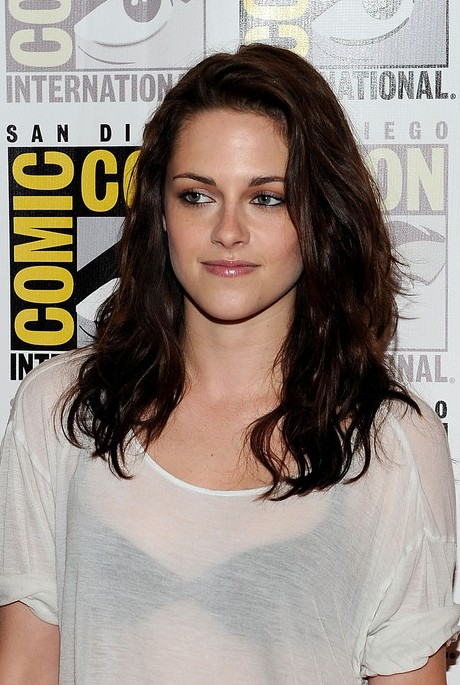 Kristen Stewart Cute Layered Medium Wavy Hairstyle Hairstyles Weekly