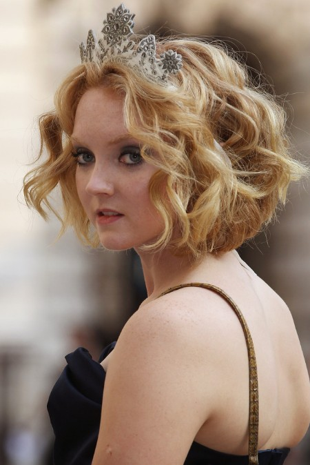 lily cole short haircut: romantic short curly bob hairstyle