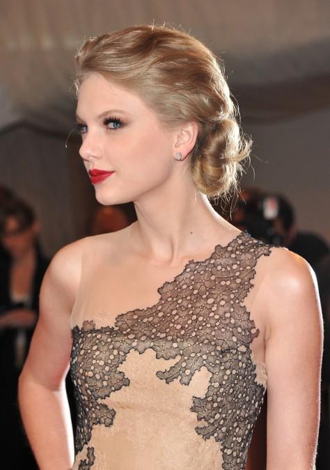 Astonishing Taylor Swift Twisted Chignon Updo Hairstyle For Wedding Short Hairstyles Gunalazisus