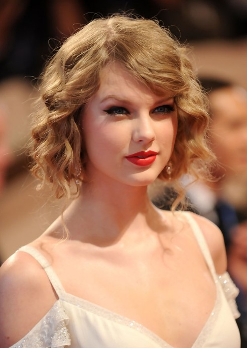 Terrific Taylor Swift Faux Bob Chic Curly Wavy Bob Hairstyle Hairstyles Hairstyles For Men Maxibearus