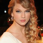 Taylor Swift Formal Long Blonde Curly Hairstyles