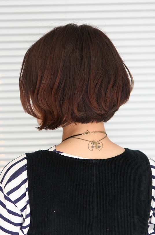 Korean Hairstyle 2013: Pretty Center Parted Bob Haircut