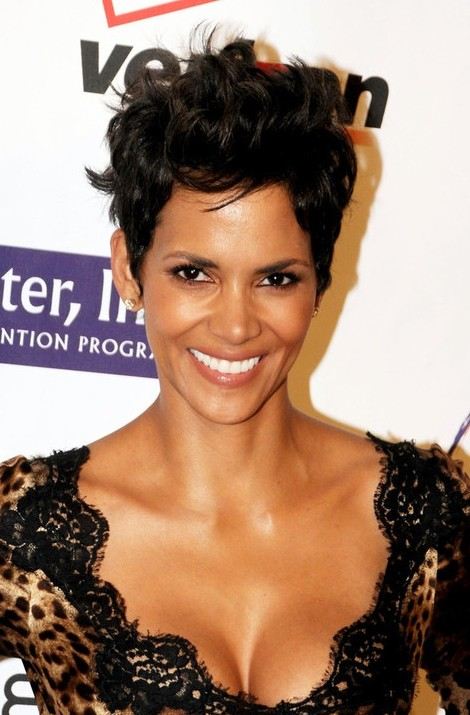 Incredible Halle Berry Layered Short Black Razor Cut Hairstyles Weekly Hairstyle Inspiration Daily Dogsangcom