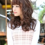 Japanese Hairstyles - Cute Long Red Wavy Hairstyle with Bangs