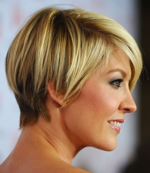 Jenna Elfman Short Hairstyle Cute Layered Bob Cut With Bangs