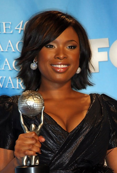 Jennifer Hudson Short Layered Hairstyle for Black Women