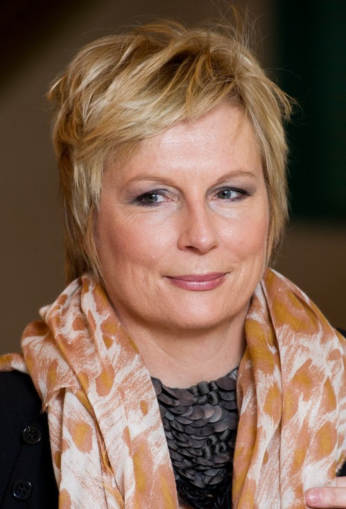 Jennifer Saunders Easy Breezy Pixie Cut