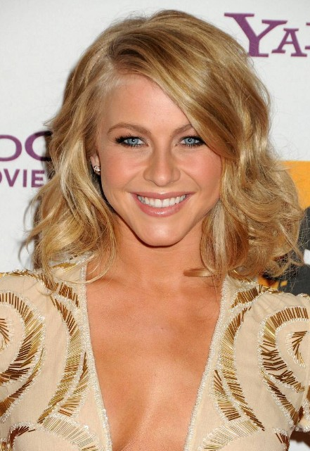 Phenomenal Julianne Hough Medium Hairstyle Cute Soft Wavy Hairstyle With Hairstyles For Women Draintrainus