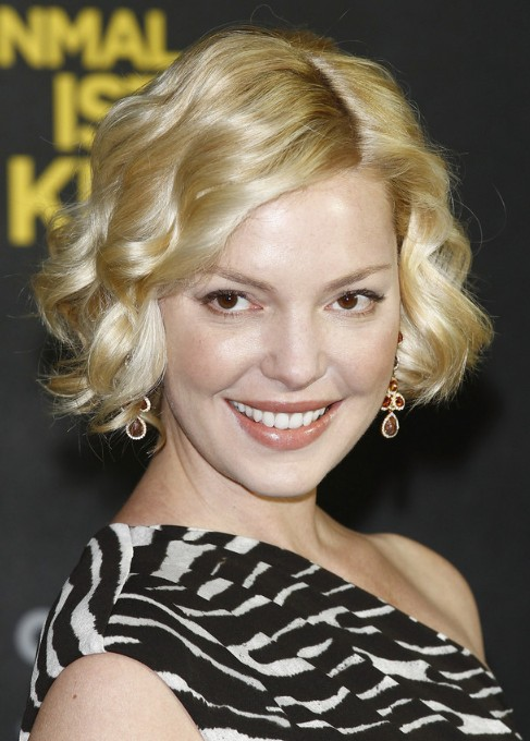 Katherine Heigl Hairstyle: Shiny Short Curly Bob Haircut ...
