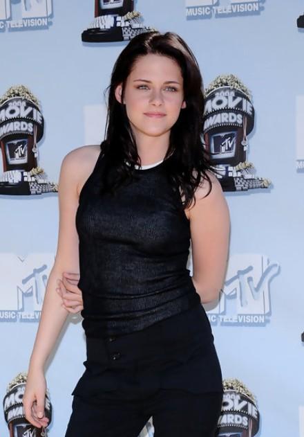 Kristen Stewart Long Dark Tousled Hairstyle Hairstyles