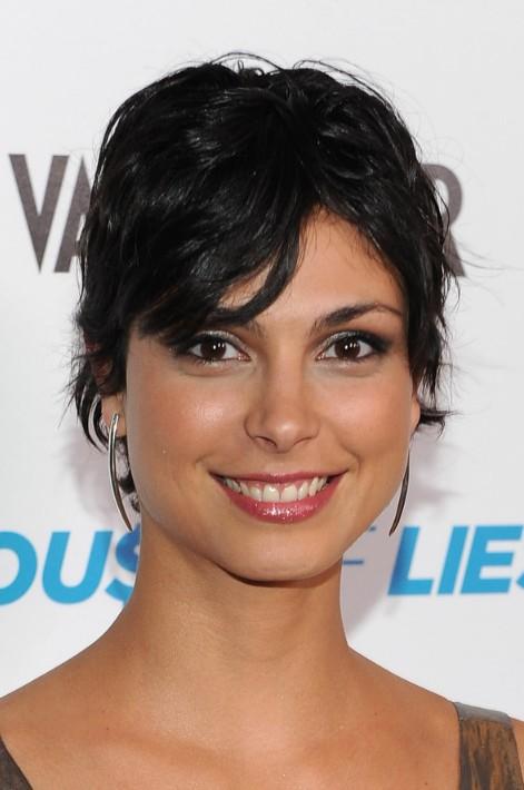 Morena Baccarin Shaggy Layered Short Black Haircut Hairstyles Weekly