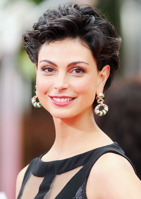 Morena Baccarin Hairstyle Sexy Short Tousled Curly