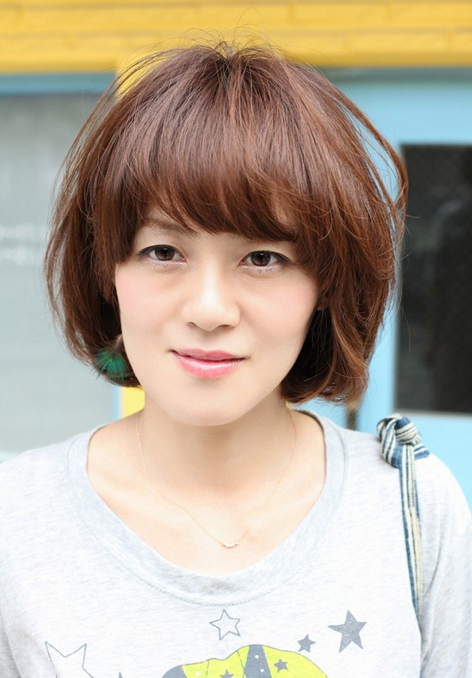 Short Asian Brown Hairstyle With Bangs Hairstyles Weekly