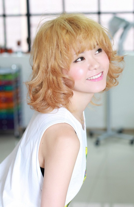 Sweet Short Blonde Curly Hairstyle with Bangs