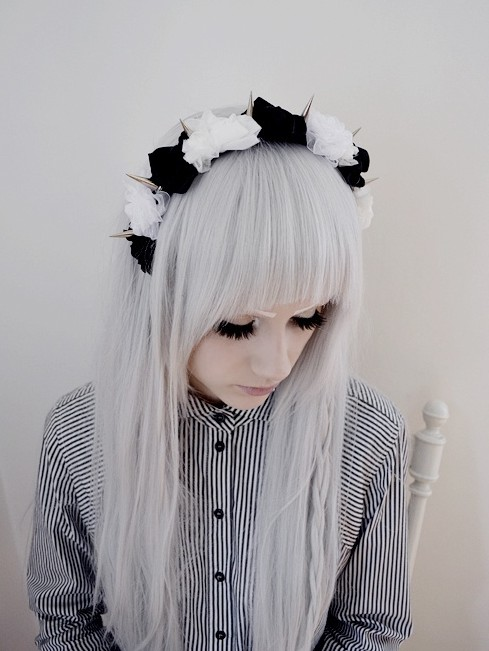 White Sleek Edgy Gothic Hairstyle for Girls - Hairstyles Weekly