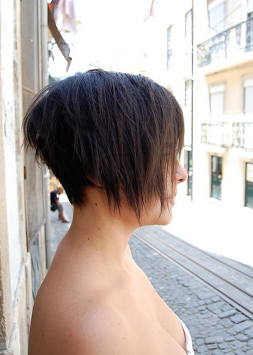 Asymmetric Bob Haircut for Summer - Side View of Trendy Short Bob Cut