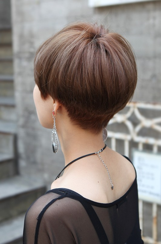 Back View of Cute Short Japanese Haircut - Back View of Bowl (Mushroom