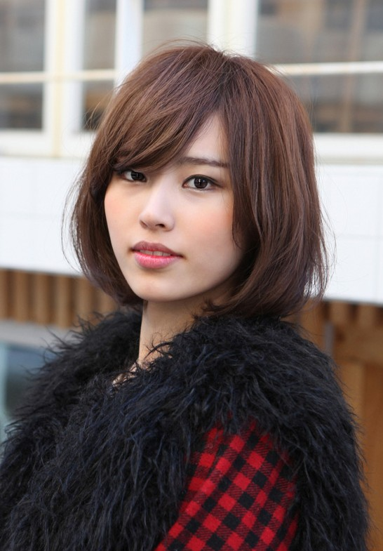 Cute Bob with Side Swept Bangs: Popular Japanese Hairstyles 2013 - 2014