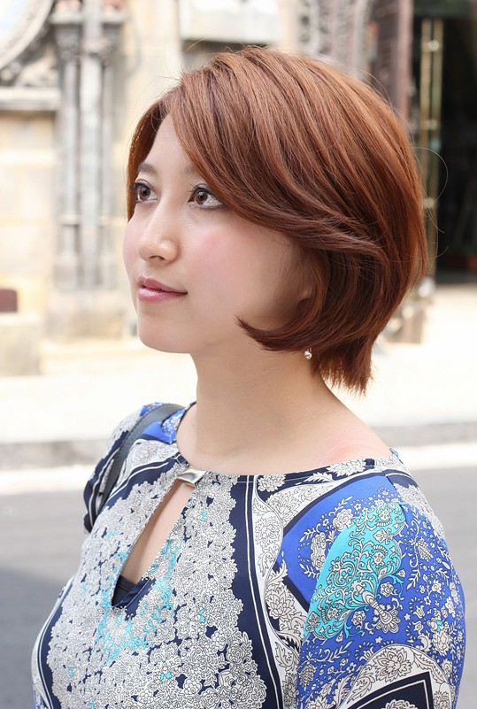 Short Asian Bob Hairstyle for Women - Side View of Layered Bob Cut