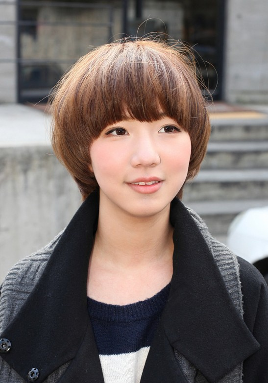 Cute Short Japanese Bob Hairstyle for Girls