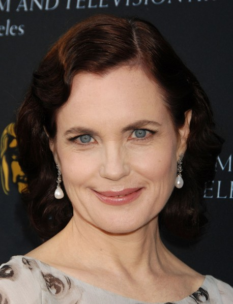 Elizabeth McGovern Short Curly Hairstyles
