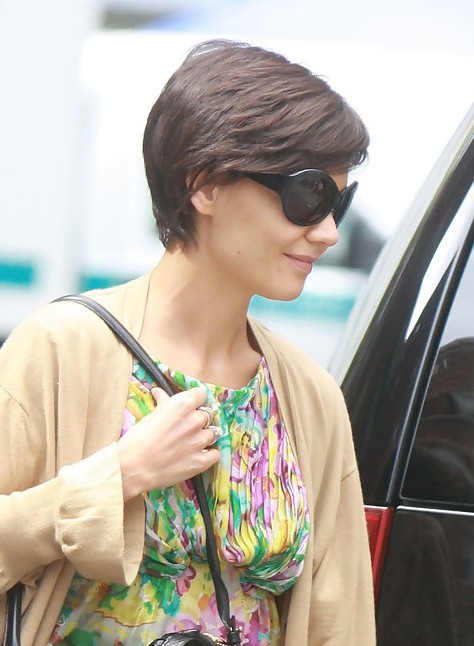 Katie Holmes Layered Short Haircut Hairstyles Weekly
