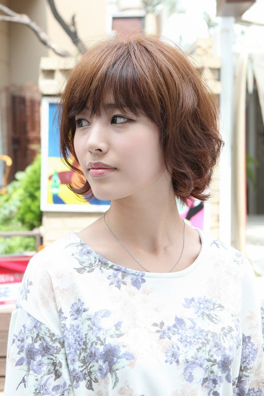 Asian Hairstyles Soft Amp Casual Wavy Brown Bob Haircut