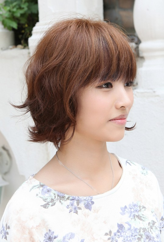 Sweet Hairstyles for Women Layered Short Brown Bob Hairstyle with Bangs Ha