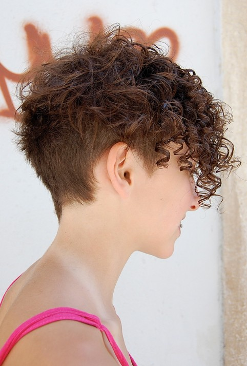 Of chic multi textured short curly hairstyle hairstylesweekly com