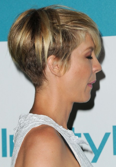 Side View of Jenna Elfman Layered Razor Cut